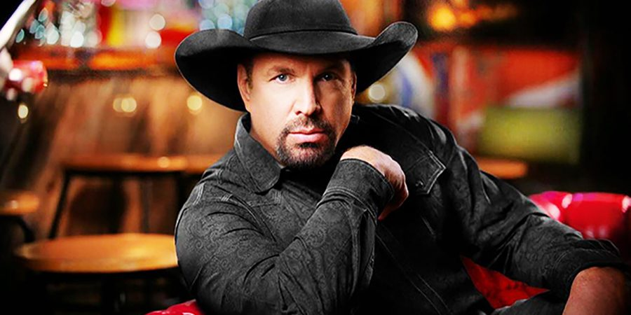 Garth Brooks Removes Himself From CMA Entertainer Of The Year